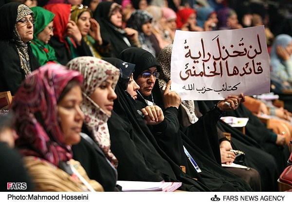 بعضی ها زن را محبوس در خانه می دانند! تبعیض جنسیتی در اسلام معنا ندارد