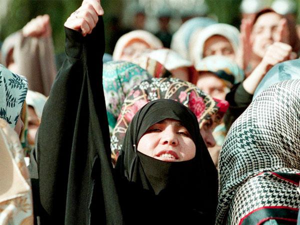 پیگیری مطالبات زنان به حاشیه رفت