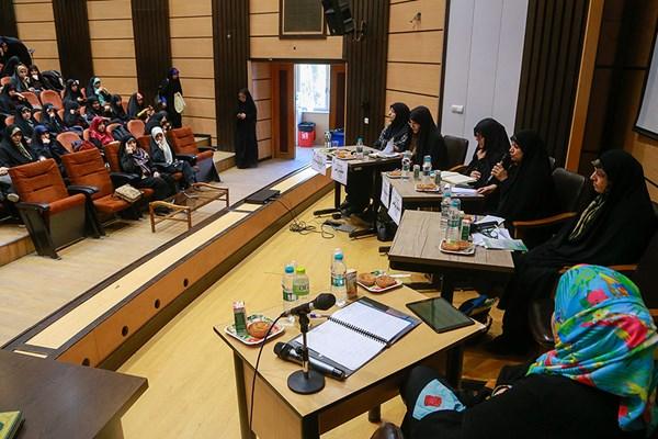 نشست بررسی چالش های قانون و اجرا در حوزه زنان و خانوادده